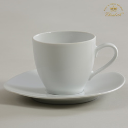 porcelain_cup_and_saucer_porcelanovy_salek_s_podsa